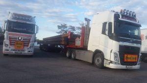 Nu är fackverken påväg till den fribärande delen på K200 Hobolelva